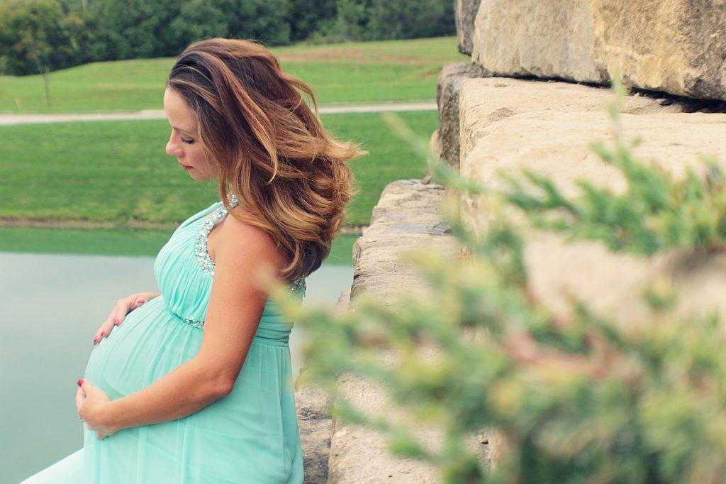 hermosa durante el embarazo